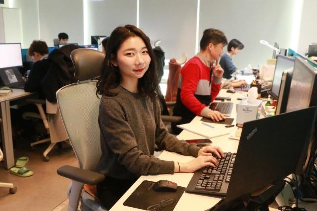 고용노동부 일생활균형_오픈서베이 직원 인터뷰_알렉스.jpg